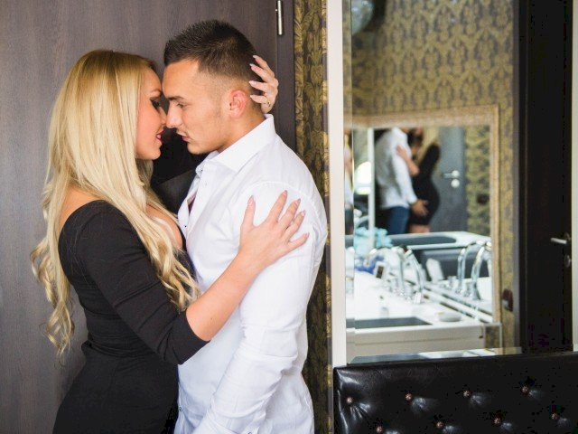 erotikangels 23 y o couple xxx hot live cam sex show chat and webcam sex with erotikangels. Black Bedroom Furniture Sets. Home Design Ideas
