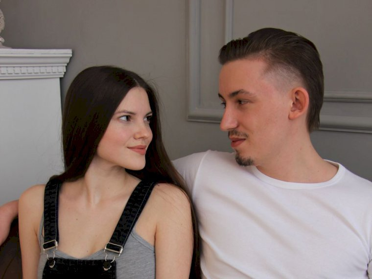 evaandfry 21 y o couple xxx hot live cam sex show chat and webcam sex with evaandfry. Black Bedroom Furniture Sets. Home Design Ideas