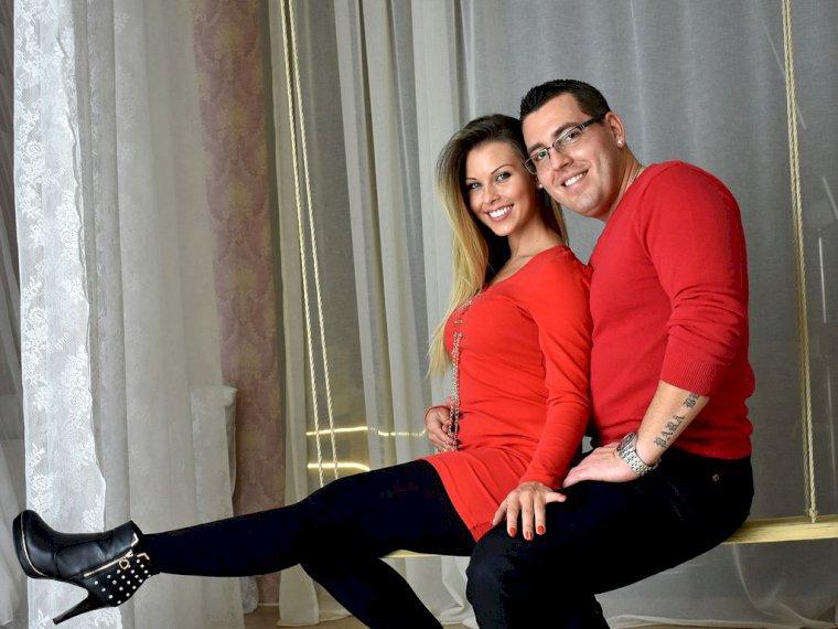 Sexy couple poses-3631